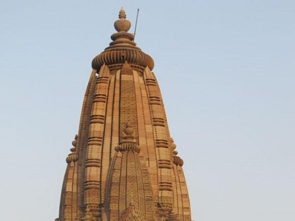 Khajuraho photos, Javari Temple - Tall Structure