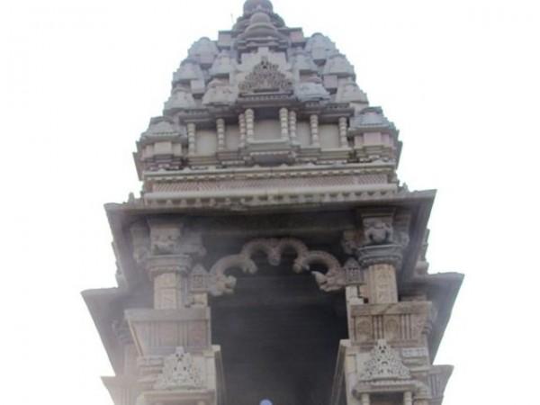 Khajuraho photos, Javari Temple - Entrance