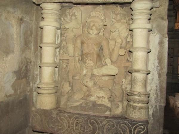 खजुराहो तस्वीरें, कंदारिया महादेव मंदिर -पत्थर की मूर्ति