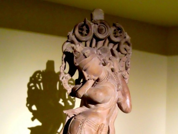 Khajuraho photos, Archaeological Museum - Nymph Blowing Flute