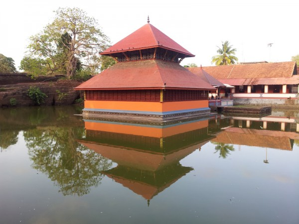Bekal photos, Ananthapura Temple - Amidst Still Waters