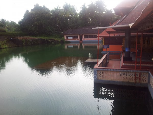 Bekal photos, Ananthapura Temple - Overlooking the Lake