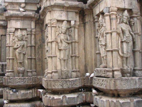 Guwahati photos, Kamakhaya Temple - Carved sculptures of the temple