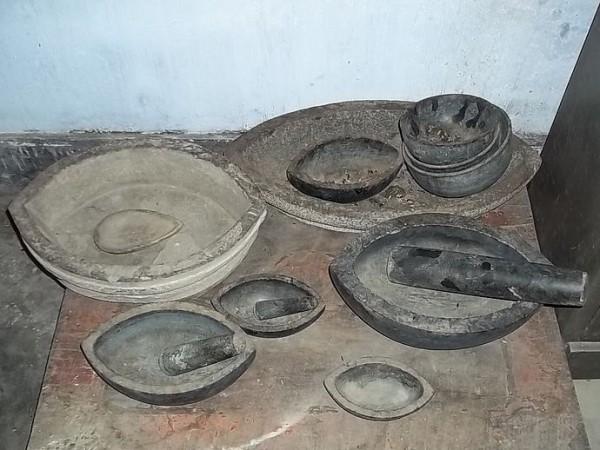 Majuli photos, Benganaati Satra - Utensils