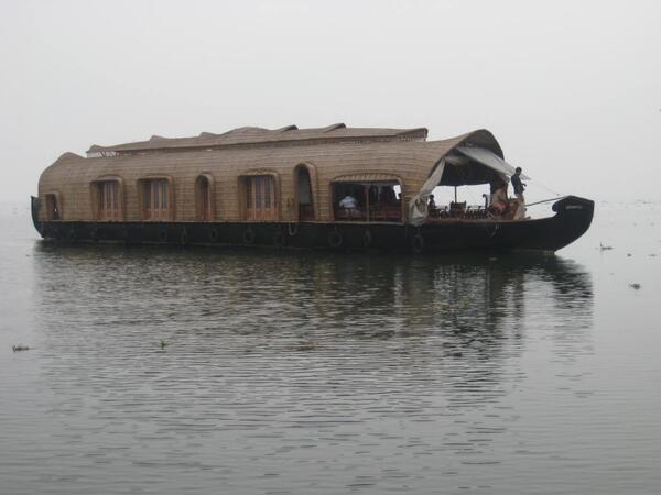 Kumarakom photos, Vembanad Lake -  Sailing Houseboat