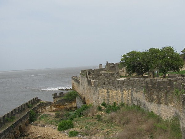 Diu photos, Diu Forts - Boundary walls of the fort