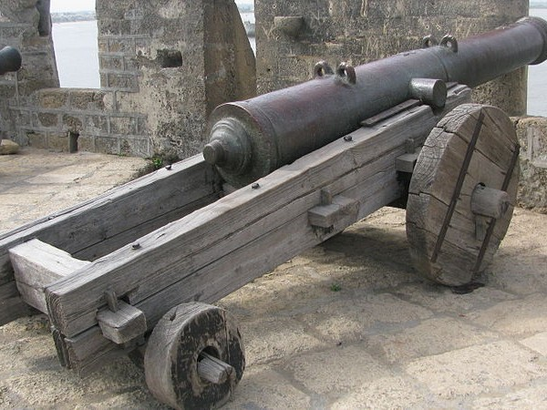 Diu photos, Diu Forts - A view the Cannon