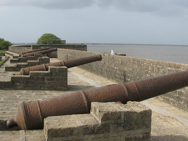 Diu photos, Diu Forts - Fixe cannons