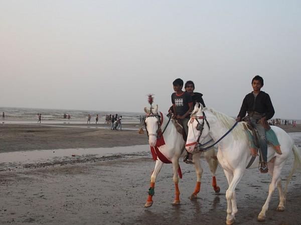 Daman photos, Jampore Beach - Horse Riding