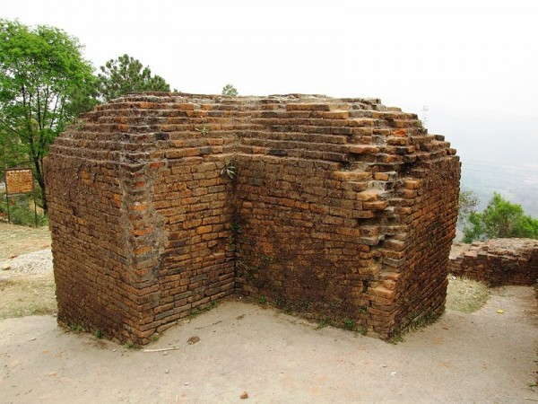 Itanagar photos, Ita Fort - Brick wall