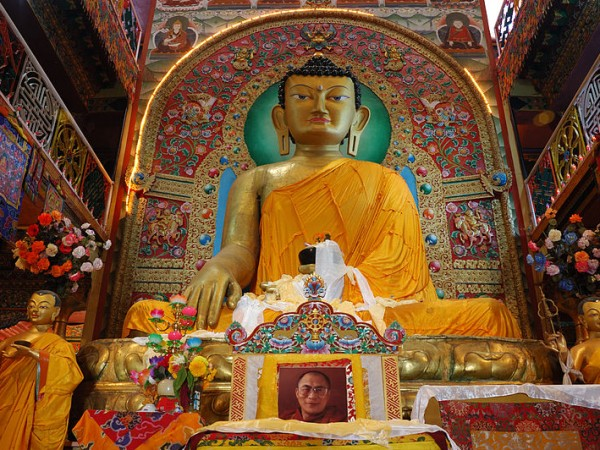 Tawang photos, Tawang Monestary - A view of the statue