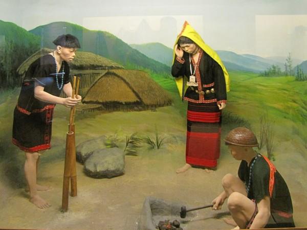 Itanagar photos, Jawaharlal Nehru Museum - Adi Minyong diorama