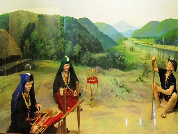 Itanagar photos, Jawaharlal Nehru Museum - Adi Padam diorama