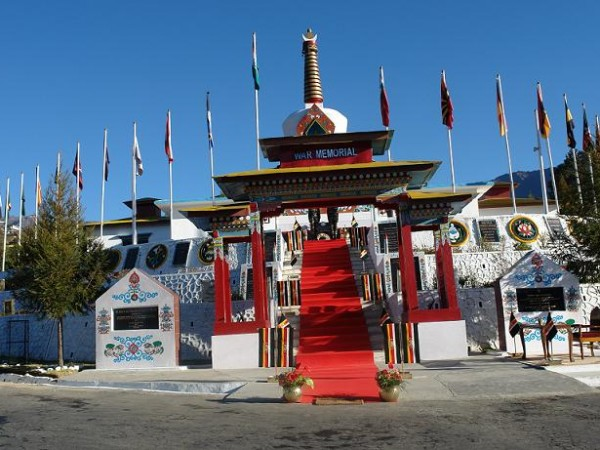 Tawang photos, Tawang War Memorial - view of war memorial