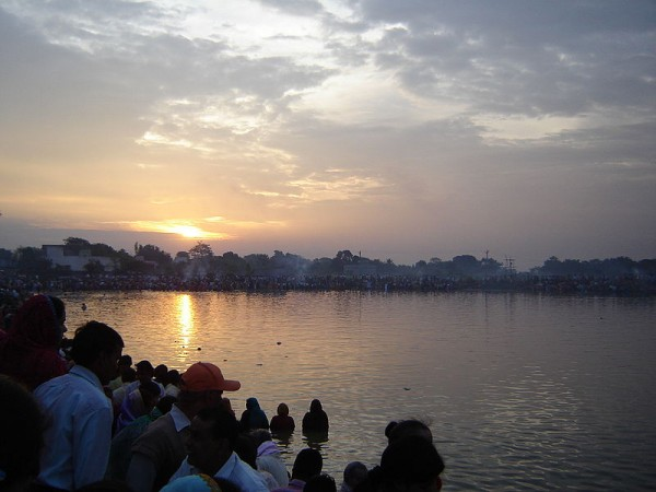 Dhanbad photos, People Celebrating Chhath Festival