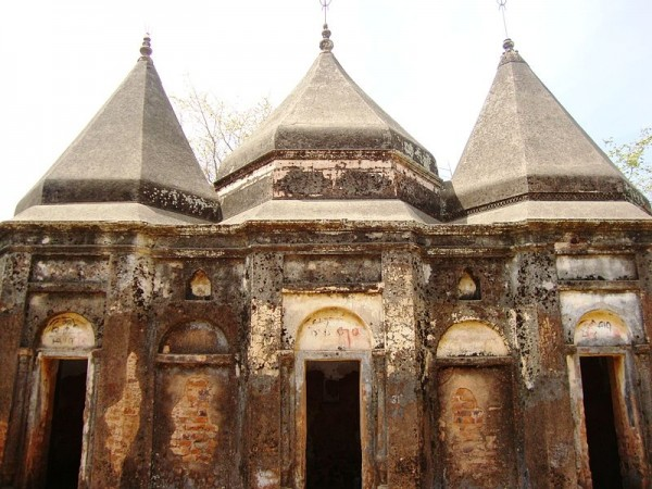 Dumka photos, Exterior of Malooti Temple