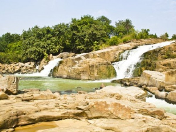Giridih photos, Usri Fall - Gushing Usri Falls