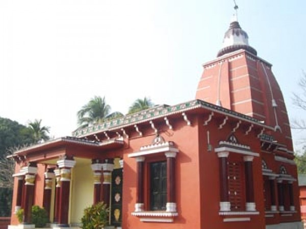 Agartala photos, Venuban Buddha Vihar - Copper coloured structure