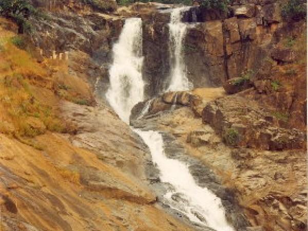Jashpur photos, Waterfalls in Jashpur - Rajpuri Waterfalls