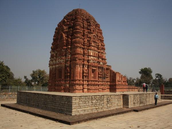 Sirpur photos, Laxman Temple - Outer View