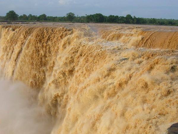 Jagdalpur photos, Chitrakoot Falls - A close view of the falls