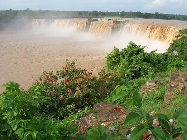Jagdalpur photos, Chitrakoot Falls - Distant view of the falls