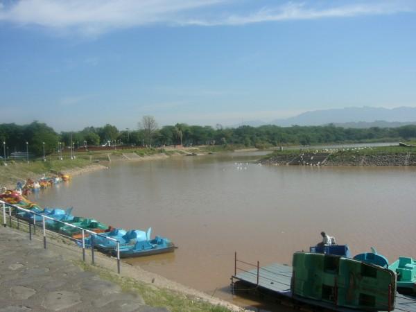 Mohali photos, Sukhna Lake - Colourful boats