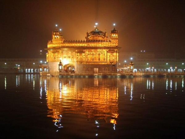 Amritsar photos, Golden Temple - Night view of temple