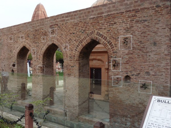Jallianwala Bagh photos, Bullet Marks