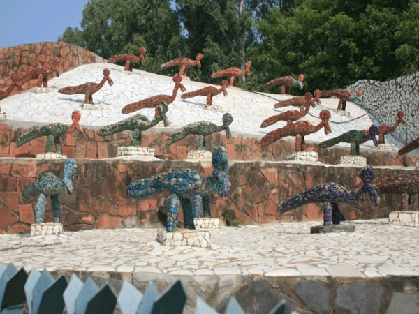 Chandigarh photos, Rock Garden - Sculptures made of Recyclable material