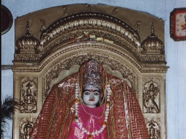 Panchkula photos, Mansa Devi Temple - Decorated idol