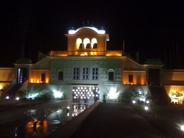 Panchkula photos, Yadavindra Garden Pinjore - Lighting