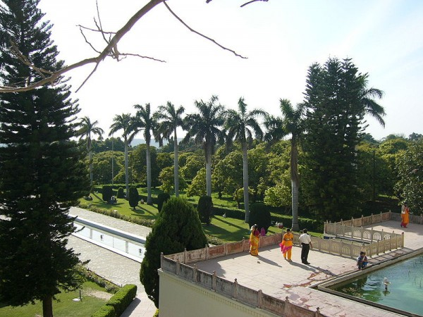 Panchkula photos, Yadavindra Garden Pinjore - People