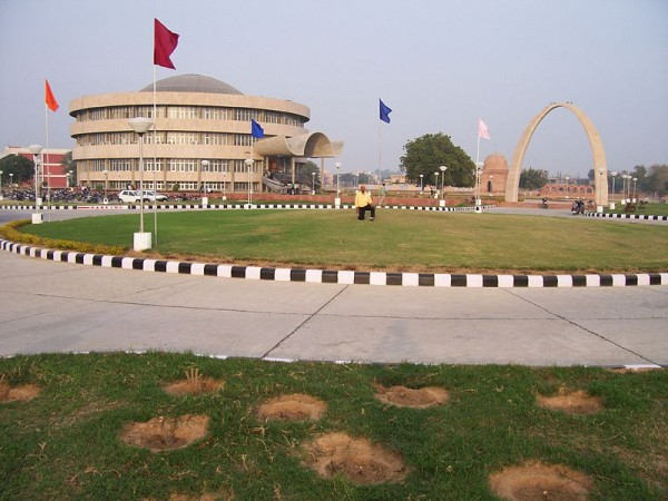 Hisar photos, Entrance