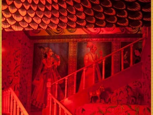 குர்கான் புகைப்படங்கள் - கனவுகளின் இராச்சியம் - நௌடன்கி மஹாலின் படிக்கட்டுகள்