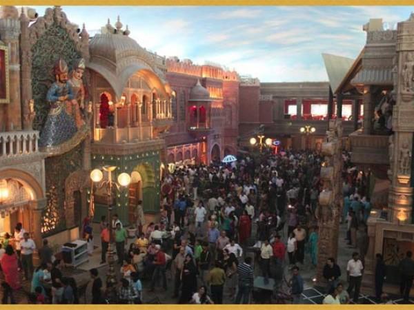 Gurgaon photos, Kingdom of Dreams - Crowd