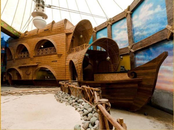 Gurgaon photos, Kingdom of Dreams - Houseboat