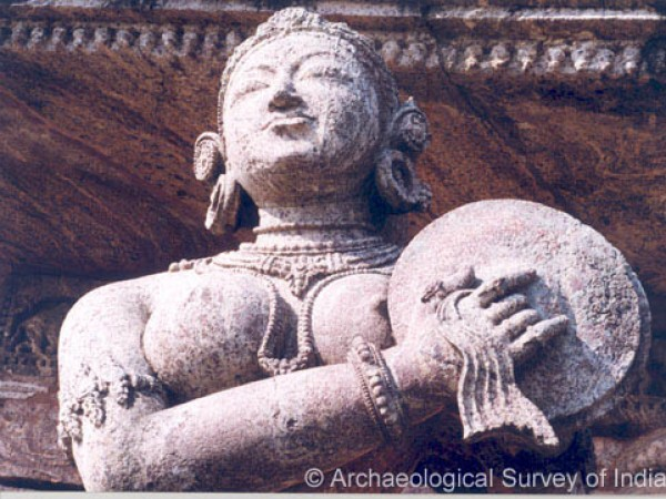 Konark photos, Sun Temple - A beautiful Lady Musician