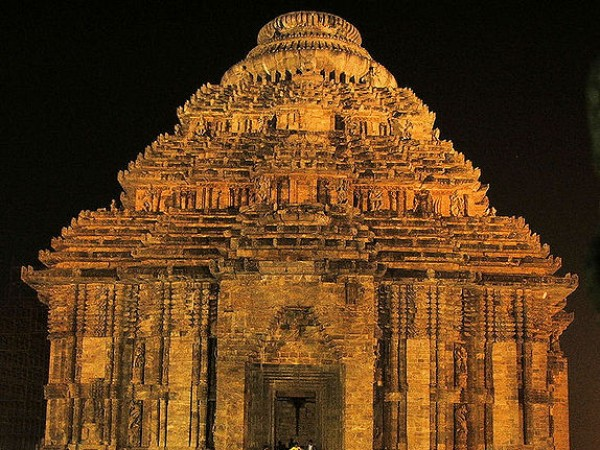 Konark photos, Sun Temple - A beautiful Night View