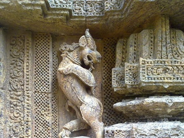 Konark photos, Sun Temple - A Stone Art Work sculpture
