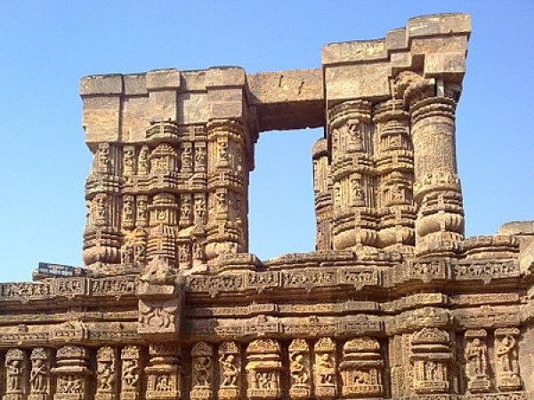 Konark photos, Sun Temple - Carvings and the sculptures on the walls