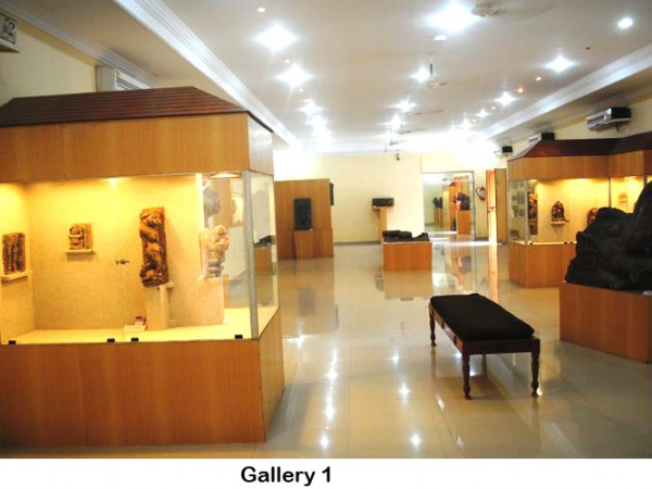 Konark photos, Archaeological Museum - Interiors of  Museum