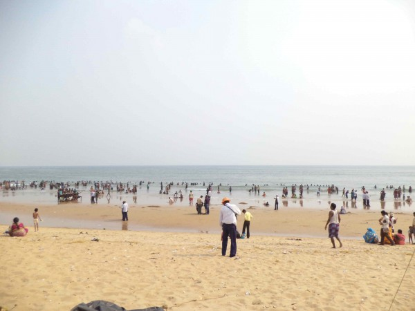 Puri photos, Puri Beach - People Enjoying at the Beach