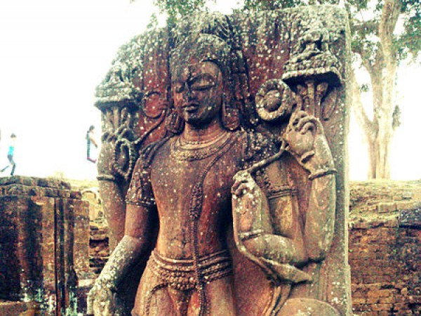 Udayagiri photos, Ratnagiri - Statue at Ratnagiri a Buddhist monastery