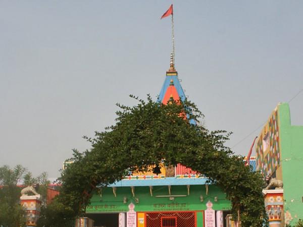 Hodal photos, Chameli Van - An view of the entrance