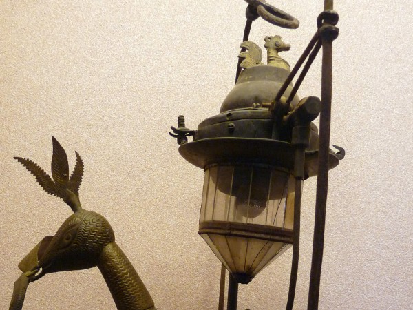 Bhubaneshwar photos, Orissa State Museum - An antique lamp