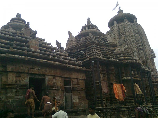 Bhubaneshwar photos, Temples in Bhubaneswar - A close up view of the temple