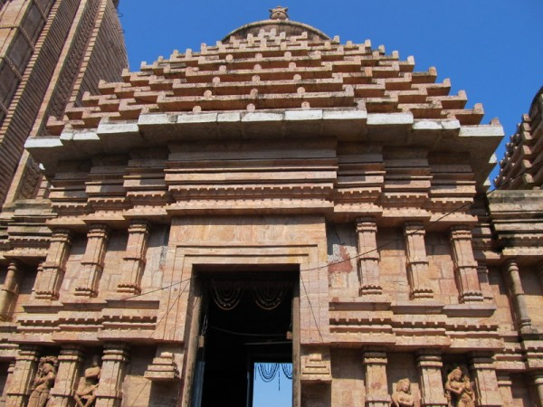 Berhampur photos, Taratarini Temple - a amazing Artistic work on the woll at the temple