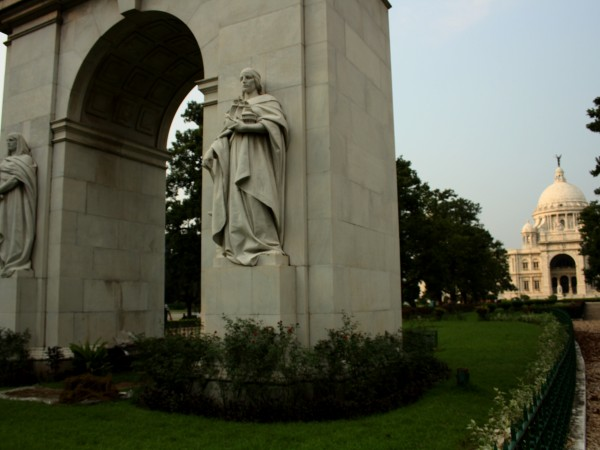 Kolkata photos, Victoria Memorial - The memorial arch of King Edward VII