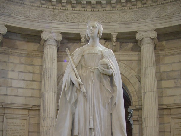 Kolkata photos, Victoria Memorial - The statue of Queen Victoria inside the Victoria Memorial